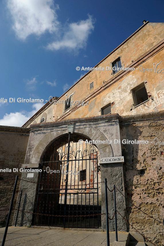 Isola di Pianosa.Pianosa Island.Pianosa. Il borgo.Village.Catacombe. Catacombs..