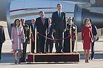 King Felipe VI of Spain (2R) and Queen Letizia of Spain (1R) receive King Abdullah II of Jordan (2L) and Queen Rania of Jordan at Barajas Airport in Madrid, Spain. July XX, 2015. (ALTERPHOTOS/Victor Blanco)