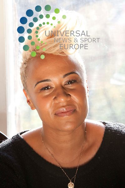 Music Sensation Emeli Sande picks up University of Glasgow's Young Alumnus of the Year for 2011, Emeli, who attended the University of Glasgow between 2006 and 2009 and received an intercalcated degree in neuroscience, has had major success with her single, Heaven which reached number two in the UK charts.  Her second single, Daddy, is released on 20th November and is taken from Emeli's debut album, Our Version of Events.  She is currently number one with Professor Green on Read all about it.  .Picture: Johnny Mclauchlan News and Sport (Europe) 01/11/2011