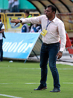 NEIVA - COLOMBIA -22-02-2017: Harold Rivera, técnico de Atletico Bucaramanga, durante partido entre Atletico Huila y Atletico Bucaramanga, por la fecha 5 de la Liga Aguila, I 2017 en el estadio Guillermo Plazas Alcid de Neiva. / Harold Rivera, coach of Atletico Bucaramanga, during a match for the date 5 of the Liga Aguila I 2017 at the Guillermo Plazas Alcid Stadium in Neiva city. Photo: VizzorImage  / Sergio Reyes / Cont.