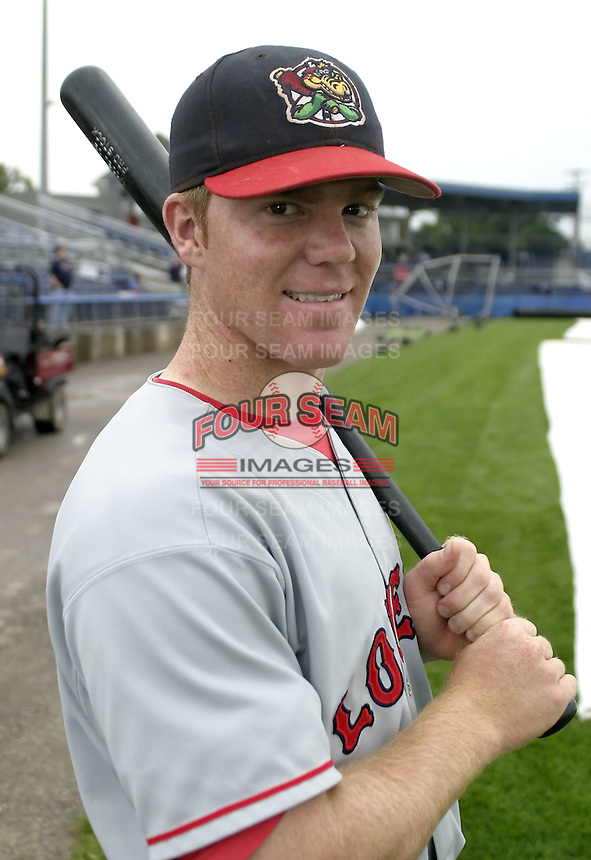 August 8, 2004:  Catcher Pat Perry of the Lowell Spinners, Single-A NY-Penn League affiliate of the Boston Red Sox, during a game at Dwyer Stadium in Batavia, NY.  Photo by:  Mike Janes/Four Seam Images