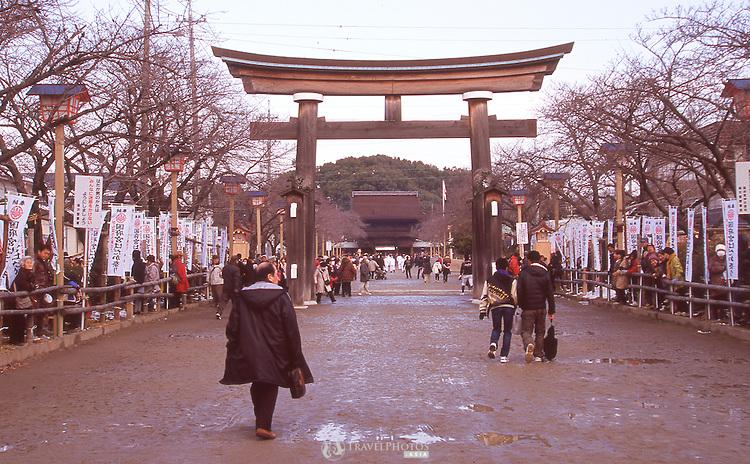 The enterance to Kounomiya Shrine before the beginning of the Naked Man Festival (Hadaka Matsuri) in Kounomiya, Nagoya.