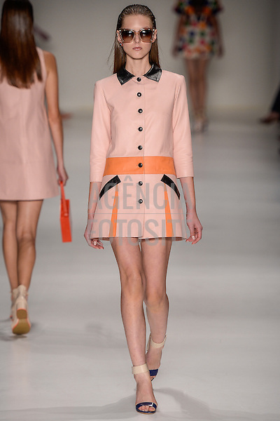 Pat Bo<br /> <br /> S&atilde;o Paulo Fashion Week- Ver&atilde;o 2016<br /> Abril/2015<br /> <br /> foto: Ze Takahashi/ Ag&ecirc;ncia Fotosite