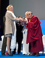 Sharon Stone receives Nobel Peace Summit Award from the Dalai Lama - Poland