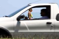 RIO DE JANEIRO,03 DE JANERIO DE 2012- Movimentação  na  orla  da praia da Barra da Tijuca -RJ.<br /> Foto: Guto Maia/News Free