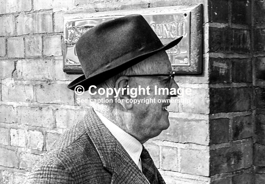 Edmond Warnock, MP, St Anne's, Belfast, N Ireland Parliament, arriving at Ulster Unionist Party headquarters, Belfast. September 1966. 196609000021a<br />
