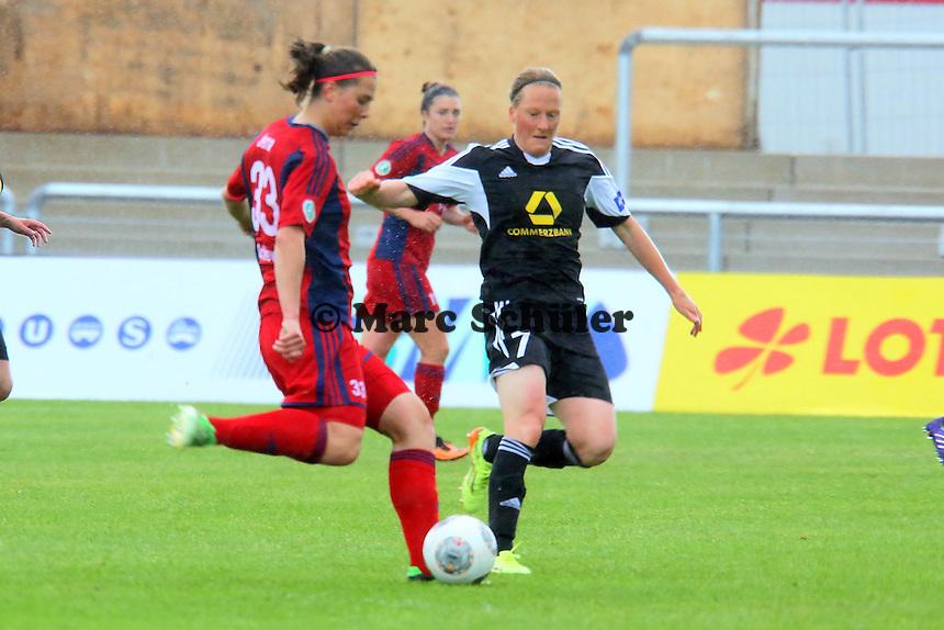 Carolin Schiewe (Jena) gegen Melanie Behringer (FFC) - 1. FFC Frankfurt vs. USV FF Jena