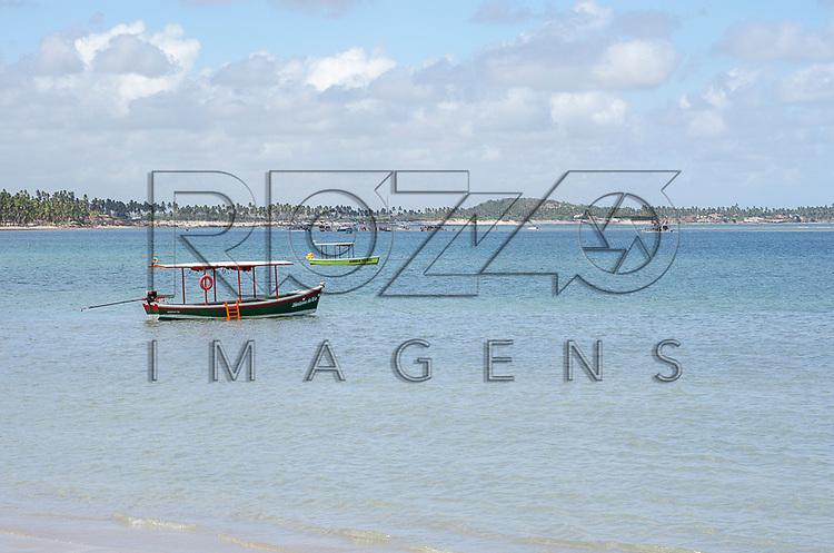 Barcos na Praia dos Carneiros, Tamandaré - PE, 12/2012.