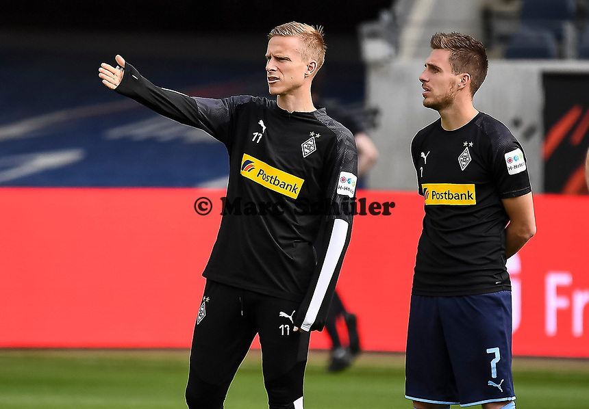Oscar Wendt (Borussia Mönchengladbach), Patrick Herrmann (Borussia Mönchengladbach) im Innenraum der Commerzbank Arena - 16.05.2020, Fussball 1.Bundesliga, 26.Spieltag, Eintracht Frankfurt  - Borussia Moenchengladbach emspor, v.l. Stadionansicht / Ansicht / Arena / Stadion / Innenraum / Innen / Innenansicht / Videowall<br /> <br /> <br /> Foto: Jan Huebner/Pool VIA Marc Schüler/Sportpics.de<br /> <br /> Nur für journalistische Zwecke. Only for editorial use. (DFL/DFB REGULATIONS PROHIBIT ANY USE OF PHOTOGRAPHS as IMAGE SEQUENCES and/or QUASI-VIDEO)