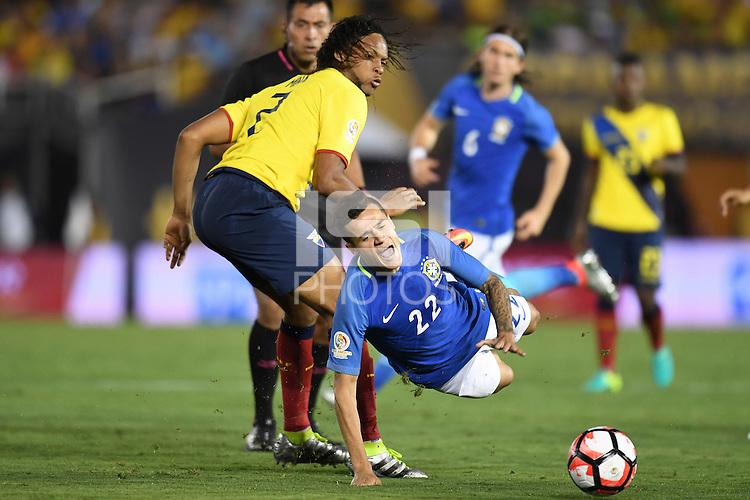 actionn photo during the match Brazil vs Ecuador, Corresponding Group -B- America Cup Centenary 2016, at Rose Bowl Stadium<br /> <br /> Foto de accion durante el partido Brasil vs Ecuador, Correspondiante al Grupo -B-  de la Copa America Centenario USA 2016 en el Estadio Rose Bowl, en la foto: (i-d) Arturo Mina de Ecuador y Philippe Coutinho de Brasil<br /> <br /> <br /> 04/06/2016/MEXSPORT/Omar Martinez.
