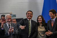 SÃO PAULO, SP, 06.08.2019: 29º CONGRESSO EXPOFENABRAVE -SP- O Presidente da República Jair Bolsonaro participa da Cerimônia de Abertura do 29º Congresso Expofenabrave, no Auditório do Transamerica Expo Center, em São Paulo, SP, nesta terça-feira (06). (foto: Marivaldo Oliveira/Código19)