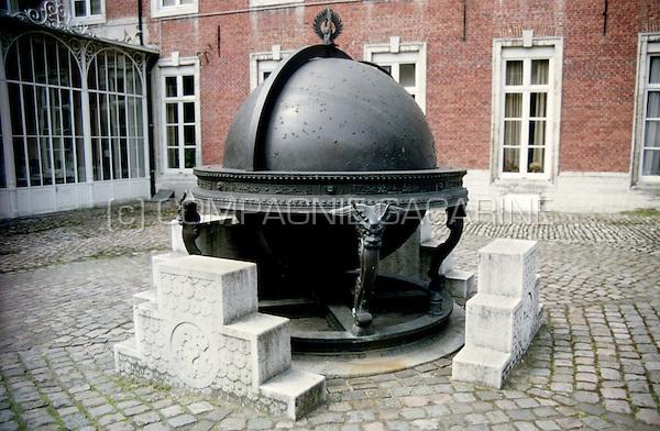 The Kangxi-Verbiest globe in Leuven (Belgium, 12/04/2004)