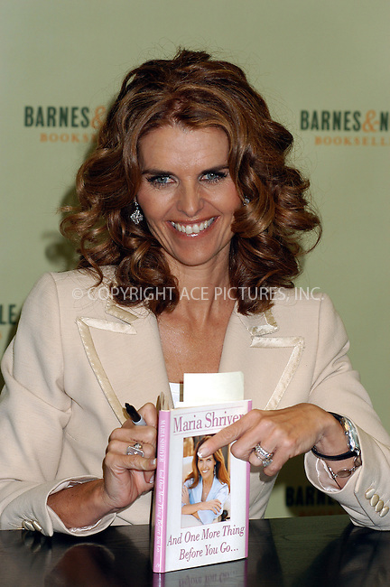 WWW.ACEPIXS.COM . . . . . ....NEW YORK, APRIL 12, 2005....Maria Shriver at a book signing for her new book 'And One More Thing Before You Go' at Barnes and Noble at Rockefeller Center.....Please byline: KRISTIN CALLAHAN - ACE PICTURES.. . . . . . ..Ace Pictures, Inc:  ..Craig Ashby (212) 243-8787..e-mail: picturedesk@acepixs.com..web: http://www.acepixs.com