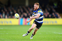 Rory Jennings of Bath Rugby passes the ball. Aviva Premiership match, between Bath Rugby and Harlequins on February 18, 2017 at the Recreation Ground in Bath, England. Photo by: Patrick Khachfe / Onside Images