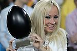 """SAT.1-Show """"Jetzt geht's um die Eier"""" am 08.04.2006 bei Gerry Weber, Halle. Cora Schumacher posiert mit einem schwarzen Ei fŁr den Fotografen.<br /> Foto: © nordphoto *** Local Caption *** Foto ist honorarpflichtig! zzgl. gesetzl. MwSt.<br />  Belegexemplar erforderlich"""