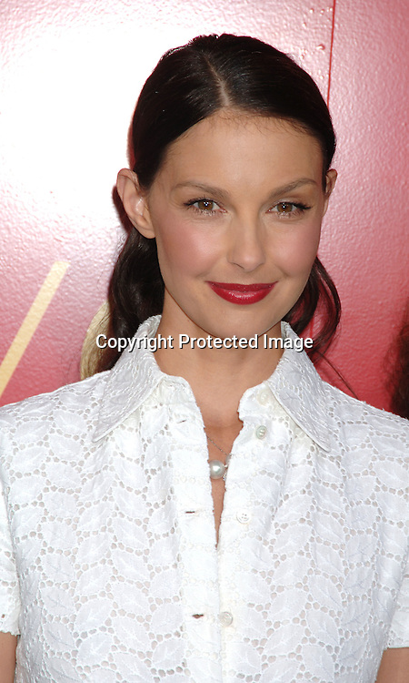 Ashley Judd..arriving at The Cartier and Interview Magazine Party ..for the new Charity Love Bracelet on June 8, 2006 at ..The Cartier Mansion. ..Robin Platzer, Twin Images