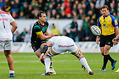 9th September 2017, Franklins Gardens, Northampton, England; Aviva Premiership Rugby, Northampton Saints versus Leicester Tigers; Nic Groom of Northampton Saints makes the pass as Mike Williams of Leicester Tigers prepares to tackle