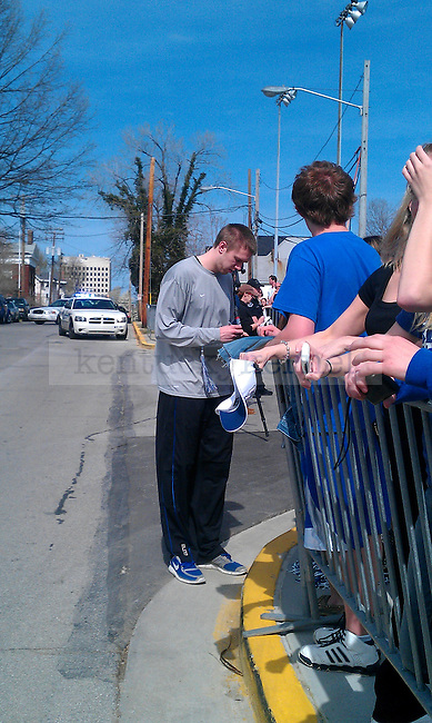 Jon Hood signs autographs outside of Wildcat Lodge in Lexington, Ky., on 4/3/11. Photo by Quianna Lige