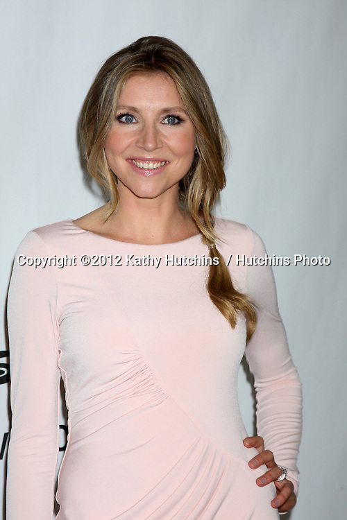 LOS ANGELES - JUL 27:  Sarah Chalke arrives at the ABC TCA Party Summer 2012 at Beverly Hilton Hotel on July 27, 2012 in Beverly Hills, CA