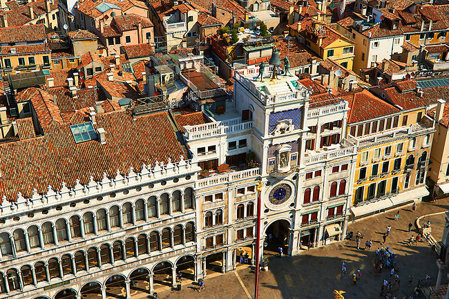 The early renaissance clock tower of Torre dell' Orologio, San Marco district, Venice, UNESCO World Heritage Site, Venetia, Italy, Europe