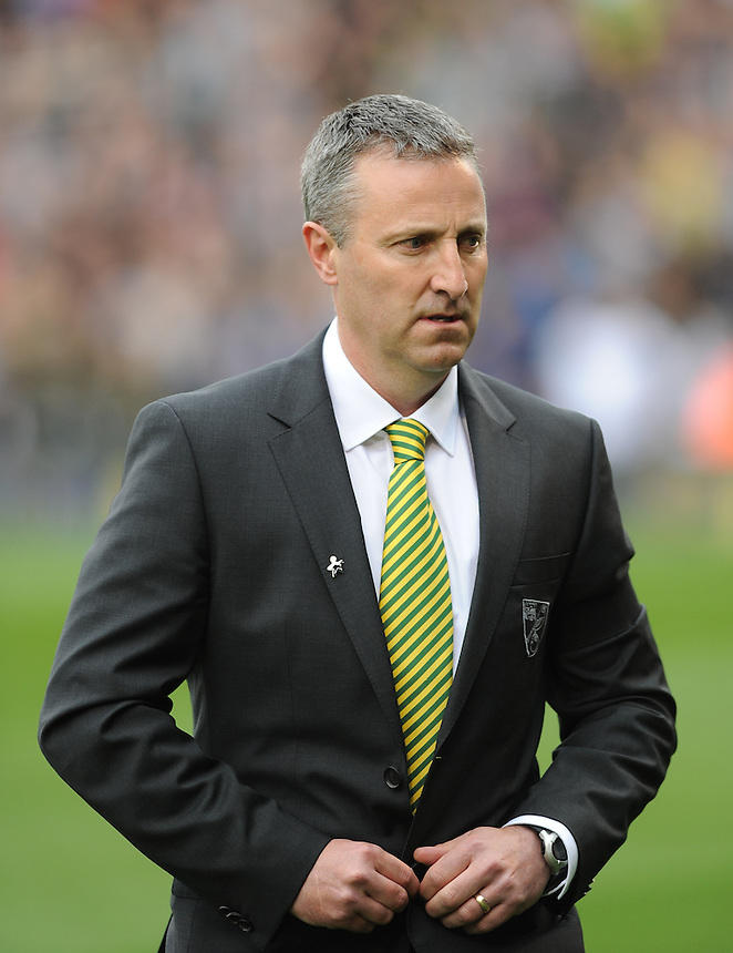 Norwich City's Neil Adams in his first game as manager against Fulham<br /> <br /> Photo by Ashley Western/CameraSport<br /> <br /> Football - Barclays Premiership - Fulham v Norwich City - Saturday 12th April 2014 - Craven Cottage - London<br /> <br /> &copy; CameraSport - 43 Linden Ave. Countesthorpe. Leicester. England. LE8 5PG - Tel: +44 (0) 116 277 4147 - admin@camerasport.com - www.camerasport.com