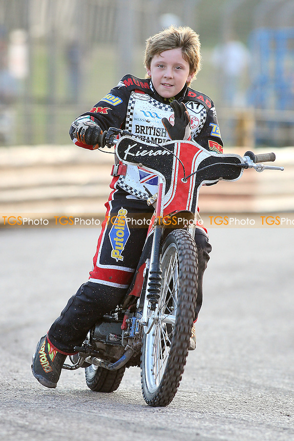 Under-16 Speedway at Arena Essex Raceway - 19/08/11 - MANDATORY CREDIT: Gavin Ellis/TGSPHOTO - Self billing applies where appropriate - 0845 094 6026 - contact@tgsphoto.co.uk - NO UNPAID USE.
