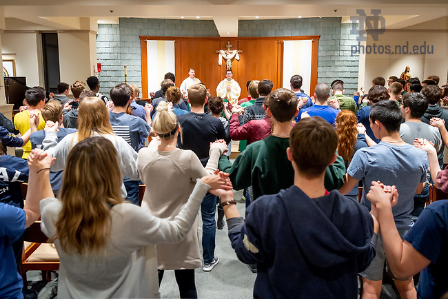 April 15, 2018; Rev. Pat Reidy, C.S.C. celebrates Sunday evening Mass in Our Lady of Guadalupe Chapel in Keough Hall. (Photo by Matt Cashore/University of Notre Dame)