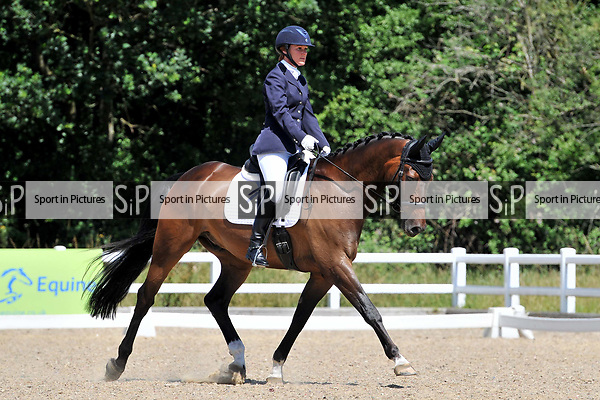 Class 22. Elementary 43. Petplan BD Area festival. Brook Farm training centre. Essex. 02/07/2017. MANDATORY Credit Ellen Szalai/Sportinpictures - NO UNAUTHORISED USE - 07837 394578