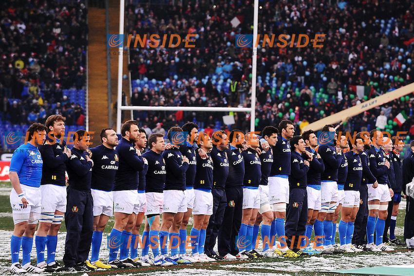 """La nazionale Italiana durante l'inno.Roma 11/20/2012 Stadio """"Olimpico"""".Rugby 6 Nations Tournament - Torneo delle 6 Nazioni 2012.Italia Vs Inghilterra - Italy Vs England .Foto Insidefoto Andrea Staccioli"""