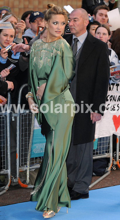 **ALL ROUND PICTURES FROM SOLARPIX.COM**.**WORLDWIDE SYNDICATION RIGHTS**.Blue carpet arrivals at the European Premiere of 'Fool's Gold'.  Held at the Vue cinema, Leicester Square, London..This Pic Kate Hudson.JOB REF: 6112      SSD     DATE:10.04.08.**MUST CREDIT SOLARPIX.COM OR DOUBLE FEE WILL BE CHARGED* *UNDER NO CIRCUMSTANCES IS THIS IMAGE TO BE REPRODUCED FOR ANY ONLINE EDITION WITHOUT PRIOR PERMISSION*