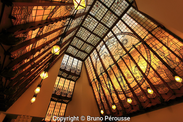 Europe; Pays Bas; Amsterdam; cage d'escalier de l'hôtel Amrâth//Europe; Netherland; Amsterdam; Amrâth hotel staircase