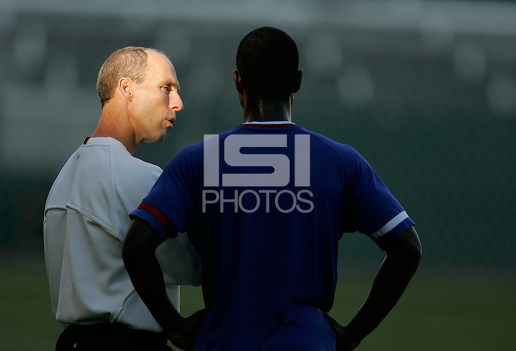 Head coach Bob Bradley talks with Eddie Johnson during USA training leading up to the International friendly against Denmark, Home Depot Center in Carson, CA on January 18, 2007.