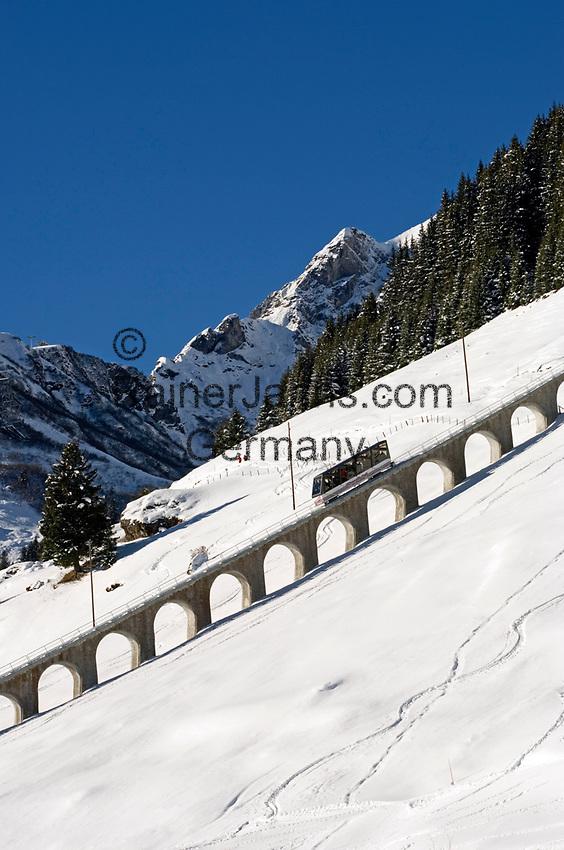 CHE, Schweiz, Kanton Bern, Berner Oberland, Muerren: Allmendhubelbahn (Standseilbahn) | CHE, Switzerland, Canton Bern, Bernese Oberland, Muerren: Allmendhubel funicular