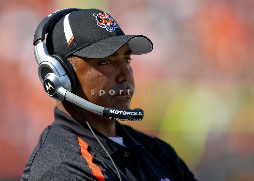 MARVIN LEWIS,of the Cincinnati Bengals, in actions during the Bengals  game against the Denver Broncos  on September 13, 2009 in Cincinnati, OH  The Broncos beat the Bengals 12-7.