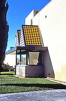 Rob W. Quigley: Linda Vista Library, North Facade. Sun Screen over huge window. Photo '97.