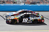 Monster Energy NASCAR Cup Series<br /> TicketGuardian 500<br /> ISM Raceway, Phoenix, AZ USA<br /> Sunday 11 March 2018<br /> Kyle Busch, Joe Gibbs Racing, Toyota Camry Skittles Sweet Heat and Chris Buescher, JTG Daugherty Racing, Chevrolet Camaro Scott Towels<br /> World Copyright: Rusty Jarrett<br /> NKP / LAT Images