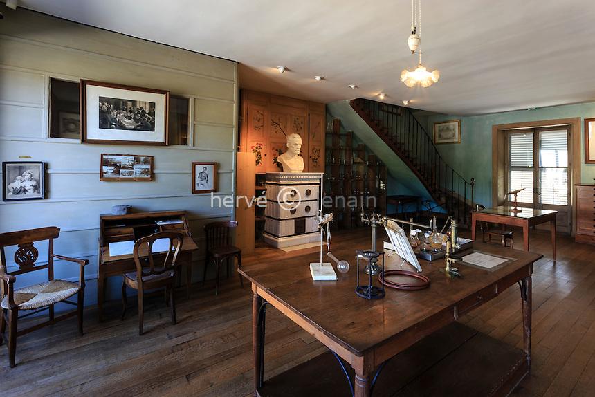France, Jura (39), Arbois, la maison de Pasteur, son bureau et laboratoire // France, Jura, Arbois, Louis Pasteur House, his office and laboratory