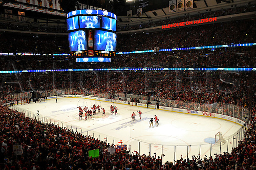 06 June 2010: The Chicago Blackhawks celebrate at center ice after defeating the Flyers by a score of 7-4 at the United Center, Chicago, Il