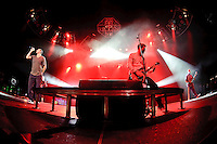 311 in concert at Verizon Wireless Amphitheater in Maryland Heights, MO on July 2, 2010.