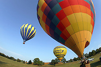 Hot air balloon ride outdoor flying ride flight (Photo/Andrew Shurtleff)