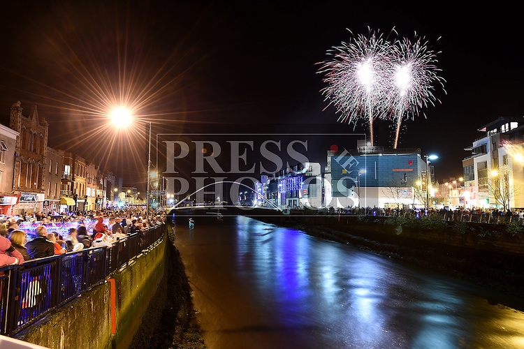 Fireworks display sponsored by Funtasia at Scotch Hall Shopping Centre as part of the Drogheda Christmas BonanzaFestival. Photo:Colin Bell/pressphotos.ie