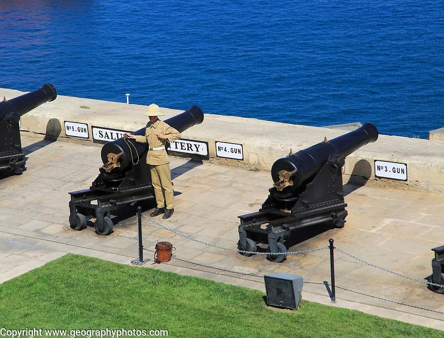 Saluting Battery guns, Upper Barrakka Gardens, Valletta, Malta
