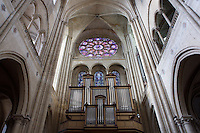 Organ, Church of Notre Dame, 12th - 14th century, Mantes-la-Jolie, Yvelines, France Picture by Manuel Cohen