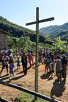 MADAGASCAR Mananjary, Vohilava, village Tanambao North, tribe Tanala, sunday mass / MADAGASKAR Mananjary, Vohilava, Mission Walk, Dorf Tanambao Nord wo Menschen der Volksgruppe der Tanala leben, Sonntagsmesse