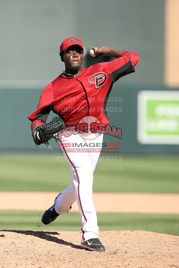 Leyson Septimo #62 of the Arizona Diamondbacks plays against the Chicago Cubs in a spring training game at Salt River Fields on March 13, 2011 in Scottsdale, Arizona. .Photo by:  Bill Mitchell/Four Seam Images.