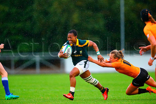 23.08.2015. Dublin, Ireland. Women's Sevens Series Qualifier 2015. Netherlands versus South Africa. Fundisaw Plaatjie (South Africa) breaks through a tackle from Paula Christina Schouten (Netherlands).