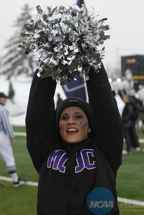 19 DEC 2009: Mount Union takes on the University of Wisconsin-Whitewater during the Division III Men's Football Championship held at Salem Stadium in Salem, VA.  Wisconsin-Whitewater defeated Mount Union 38-28 for their second national title.  Andres Alonso/NCAA Photos