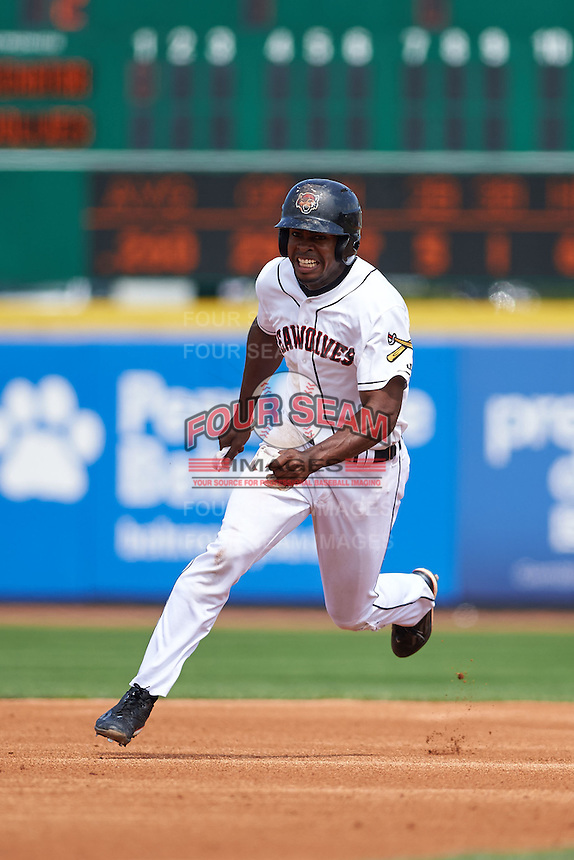 Erie Seawolves outfielder Wynton Bernard (36) running the bases during a game against the Harrisburg Senators on August 30, 2015 at Jerry Uht Park in Erie, Pennsylvania.  Harrisburg defeated Erie 4-3.  (Mike Janes/Four Seam Images)