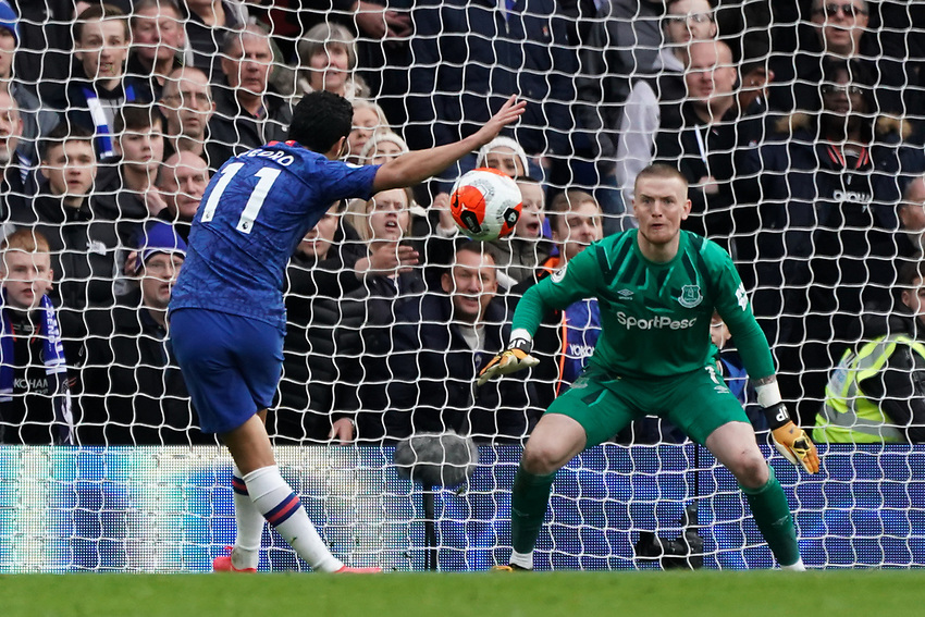 Chelsea's Pedro has a shot against Everton's Jordan Pickford<br /> <br /> Photographer Stephanie Meek/CameraSport<br /> <br /> The Premier League - Chelsea v Everton - Sunday 8th March 2020 - Stamford Bridge - London<br /> <br /> World Copyright © 2020 CameraSport. All rights reserved. 43 Linden Ave. Countesthorpe. Leicester. England. LE8 5PG - Tel: +44 (0) 116 277 4147 - admin@camerasport.com - www.camerasport.com