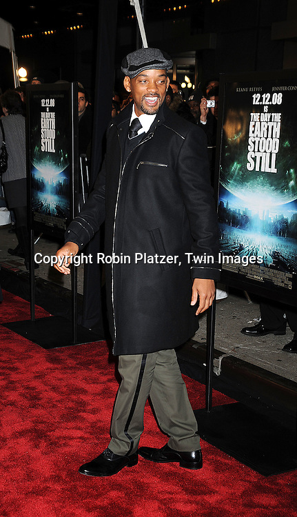 "actor Will Smith ..at The New York Premiere of ""The Day the Earth Stood Still"" on December 9, 2008 at the AMC Loews Lincoln Square. Keanu Reeves, Jennifer Connelly, Kathy Bates, ..Jaden Smith and Jon Hamm are in the movie....Robin Platzer, Twin Images"